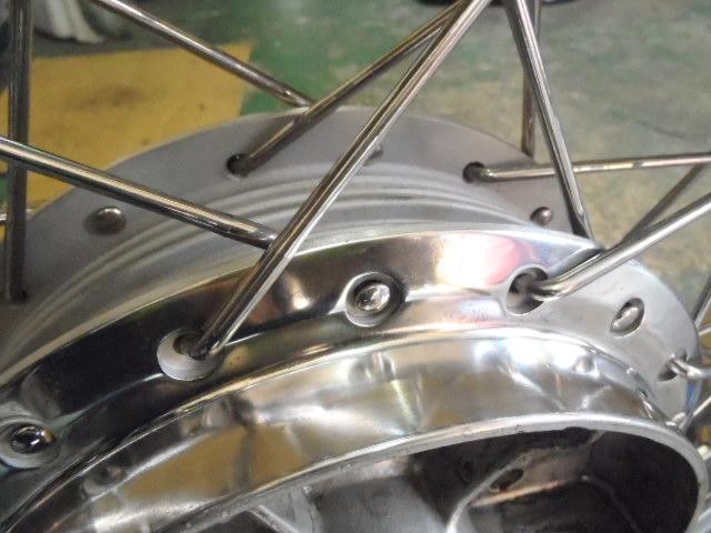 スポーク 磨き バイク スポークホイールの磨き方!錆を取り保護する方法2選【塗装・カバー】